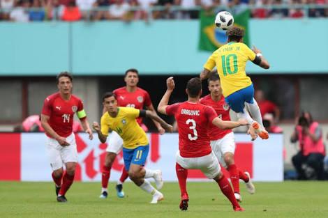 Brasil empata com a Suíça em estreia na Copa do Mundo