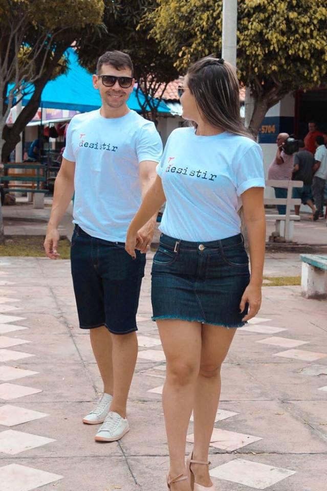 Dia dos Namorados se aproxima e o casal Erick Rêgo e Marla Pontes, no click combinadinho, com camisas da Fórum disponíveis na MAX MODAS.