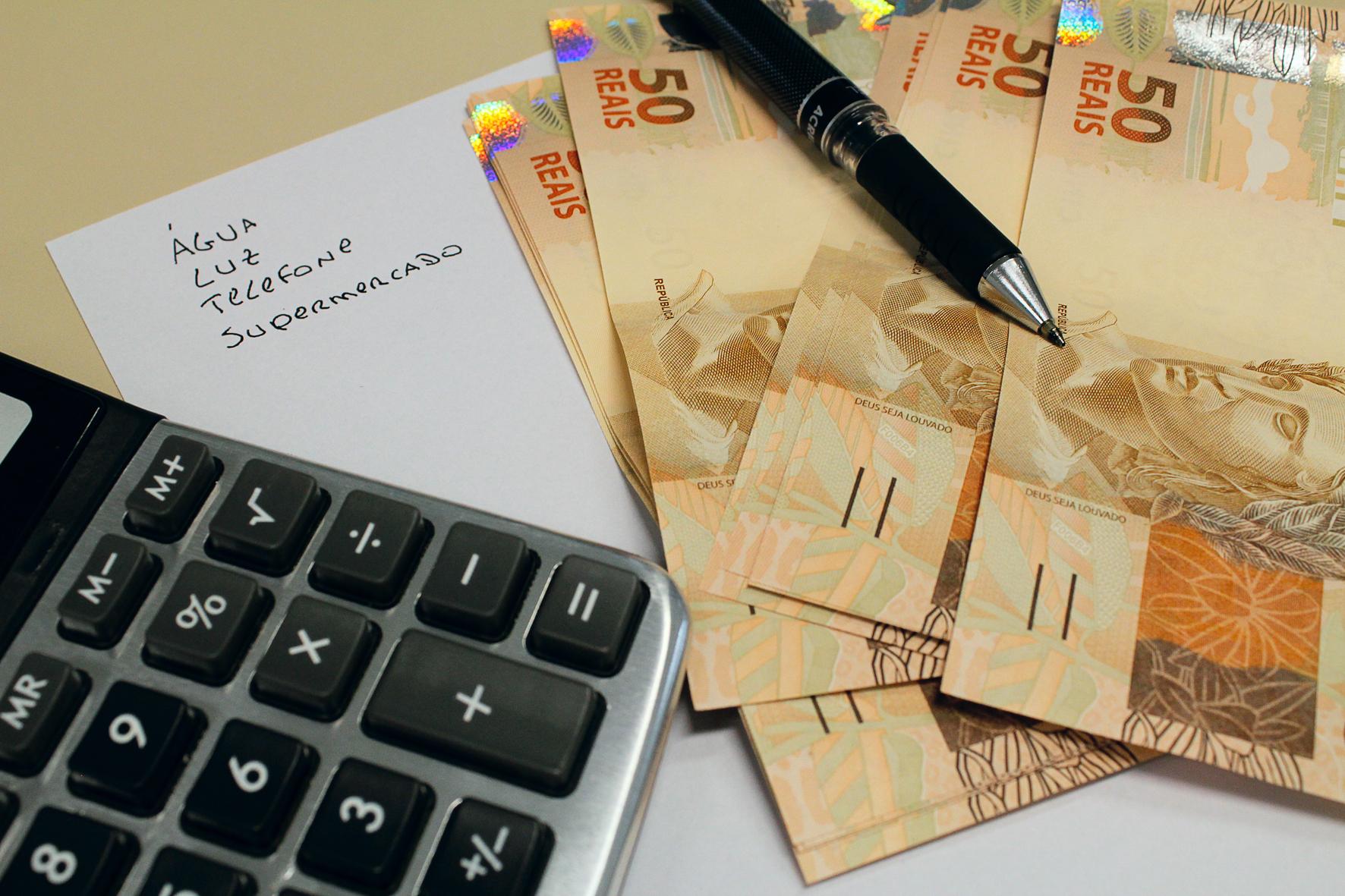 O dado leva em conta brasileiros com o CPF restrito pelo atraso no pagamento de contas.