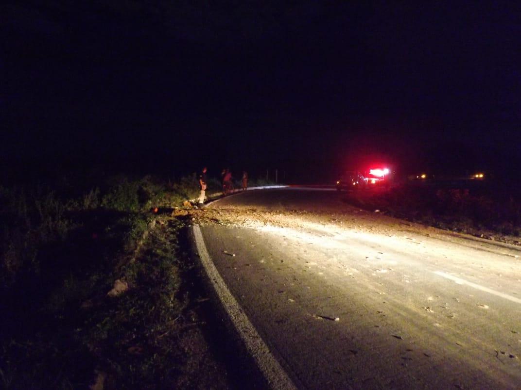 De acordo com a Polícia Militar, o homem foi atropelado por volta das 3h30 e o motorista fugiu sem prestar socorro.