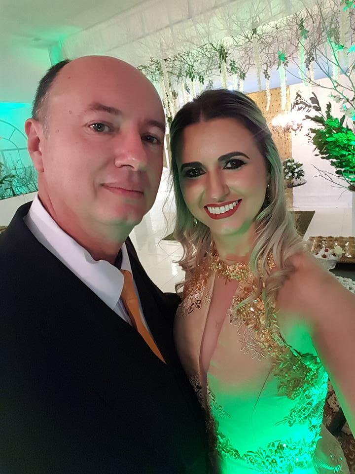 Querido o amigo Rômulo Augusto Soares Gurgel é aniversariante Vip do dia, na foto com a irmã Raquel Gurgel. Da coluna os desejos de tudo de melhor sempre!