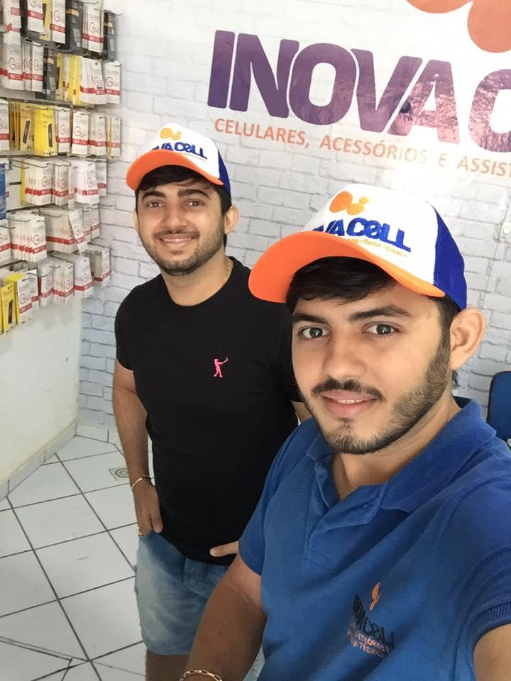 O empresário ThiagoLuã da Inovacell amanhã faz aniversário, e já antecipo os parabéns. Felicidades e cada vez mais sucesso! Na foto com o seu irmão Luiz Júnior.