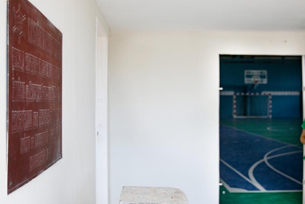Detalhe da placa de inauguração do Ginásio de Esportes da Ufersa nomeado em homenagem ao Presidente Costa e Silva | Foto: Felipe Cafrê/Assecom/Ufersa