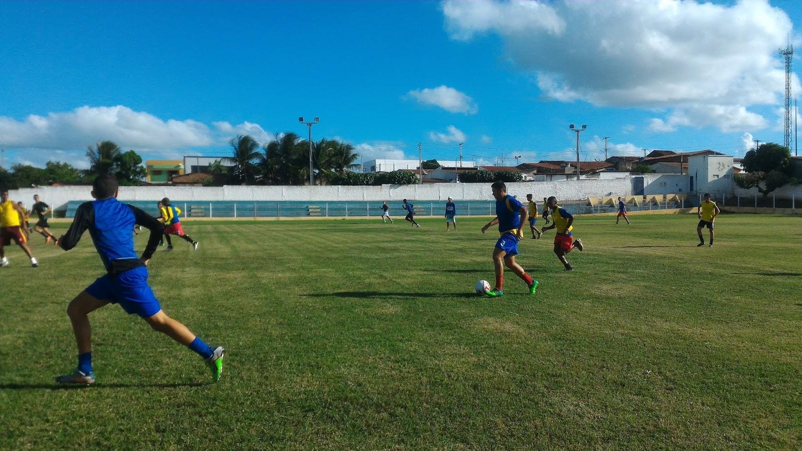 A Copa Garoto Bom de Bola é promovida pelo Governo do Estado, reuniu 26 seleções municipais e a participação de 600 alunos/atletas de 12 a 14 anos.