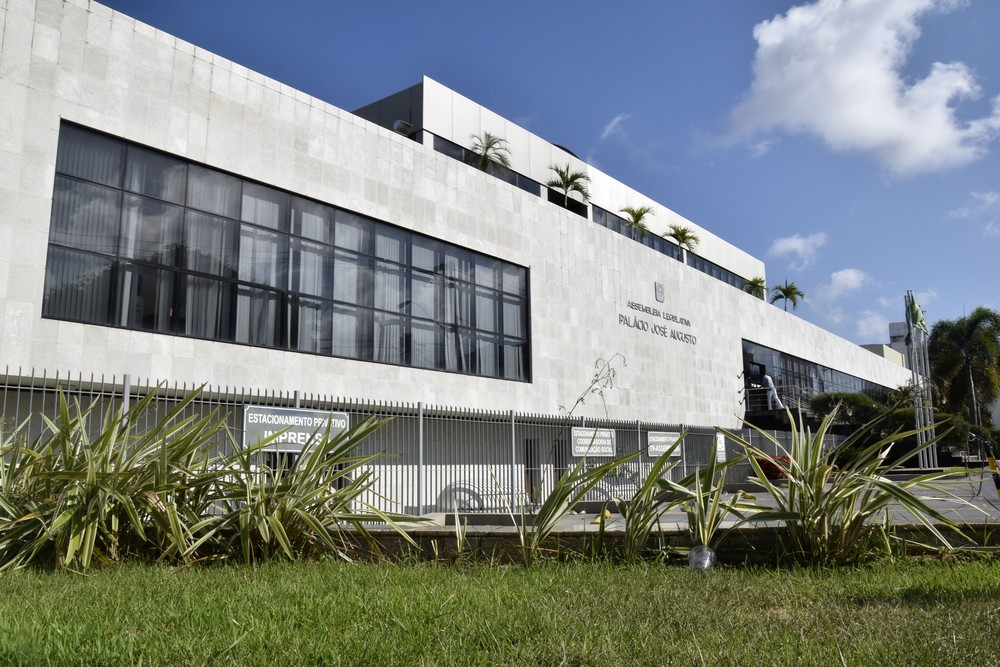 Assembleia Legislativa do RN deverá exonerar mais de mil comissionados