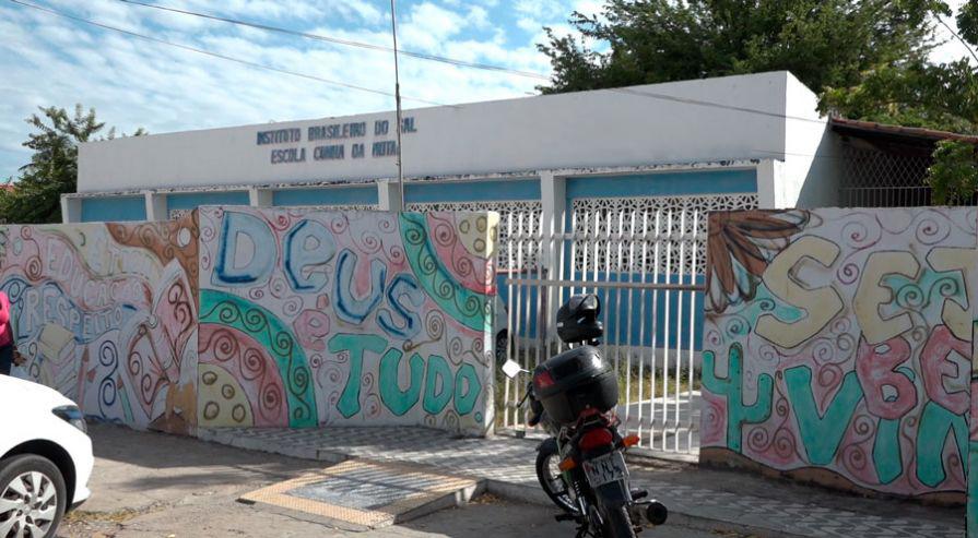Criminosos arrombam escola no Bairro Bom Jardim e roubam TV