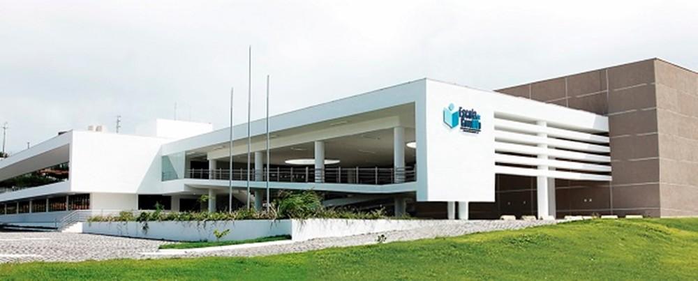 Revólver, colete e munições da Escola de Governo do RN são roubados