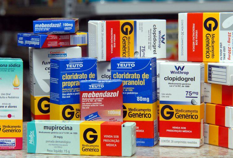 Projeto permite retirada de remédios em farmácias populares por terceiros