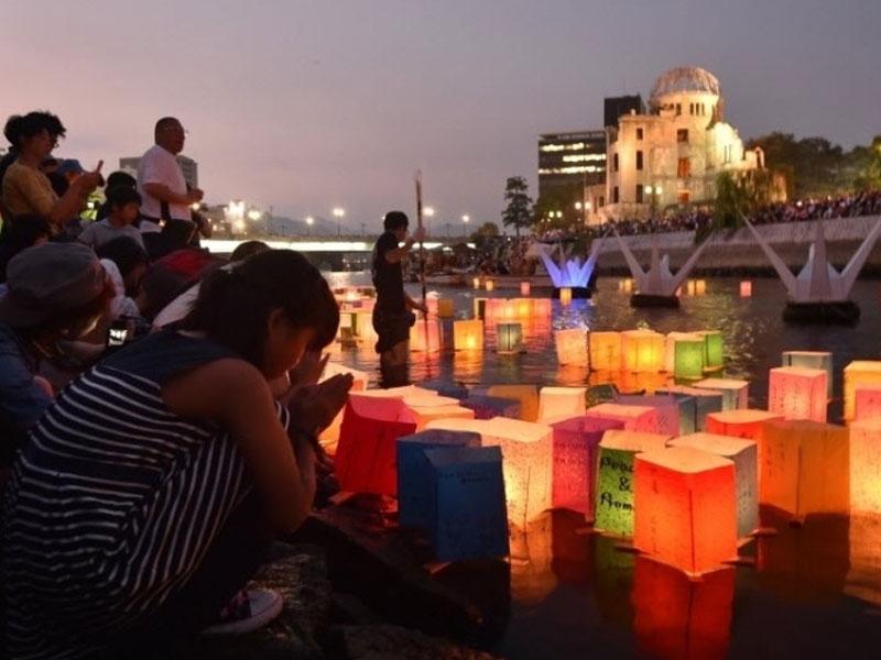 """Em mensagem de Guterres por causa do aniversário do ataque com a bomba que destruiu Hiroshima, o secretário-geral da ONU disse que o que aconteceu há 73 anos """"não pode nem deve ocorrer de novo""""."""