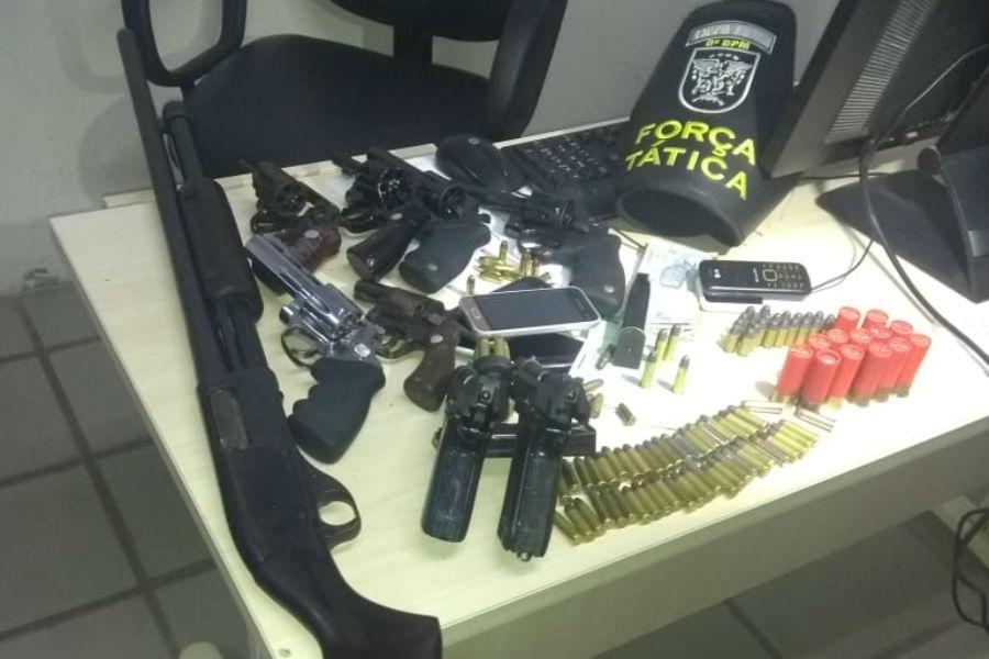 Nove armas foram apreendidas na ação, além de munições/    Imagem: MPRN