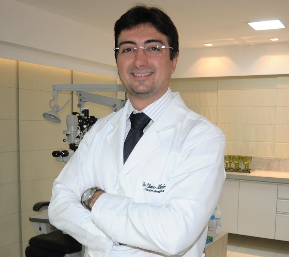 Buscando novos conhecimentos Dr. Ellano de Medeiros que irá participar do Congresso Brasileiro de Oftalmologia. Acho chique!