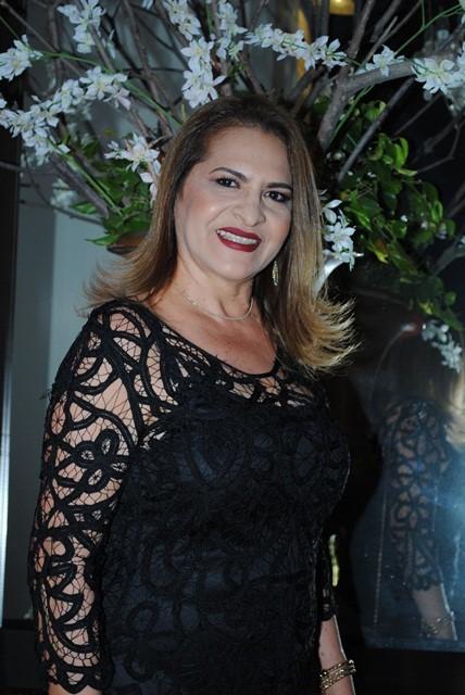 Poderosa a Assistente Social Sônia Pereira amanheceu de idade nova e nós desejamos votos de felicidades sempre!