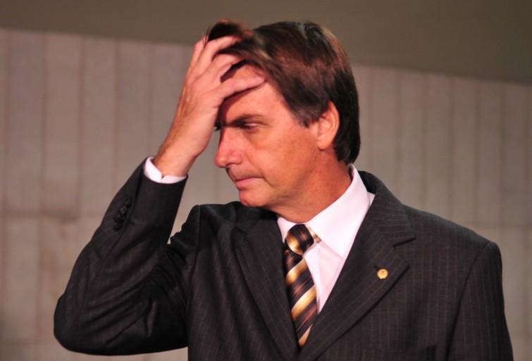 STF adia decisão sobre processo contra Bolsonaro por racismo