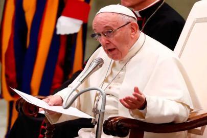 """Vaticano modifica Catecismo e declara """"inadmissível"""" a pena de morte"""