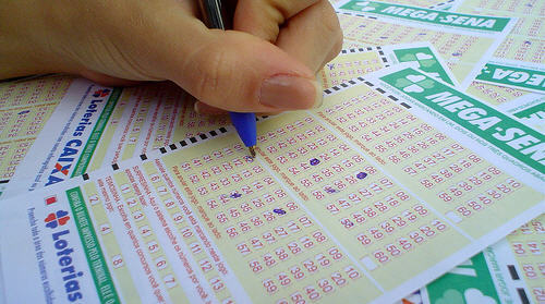 As apostas pode ser feitas até as 19h (horário de Brasília) de hoje em qualquer lotérica do país.
