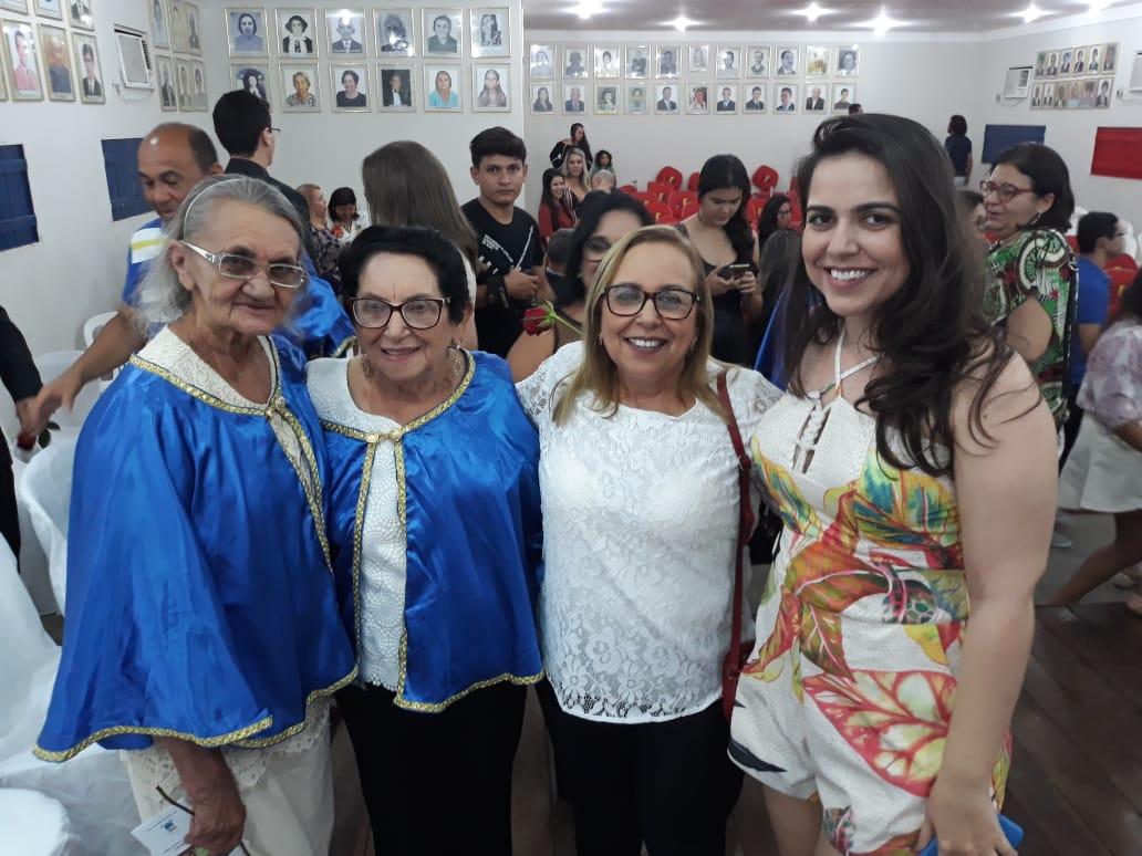 Presenças ilustres da poetisa Francina Mota, Neci Noronha, Dra. Solange Noronha e a veterinária Luma Freire.
