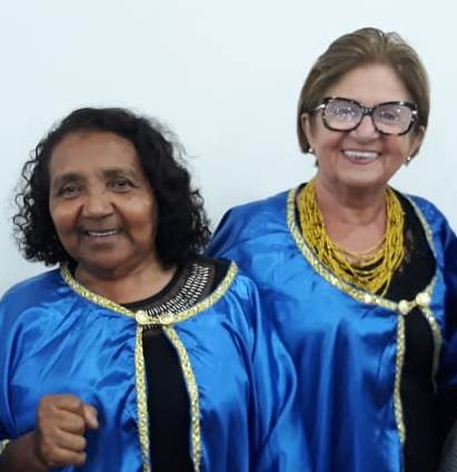 Confreiras da Academia Apodiense de Letras Maria Auxiliadora Maia e Terezinha Marinho.