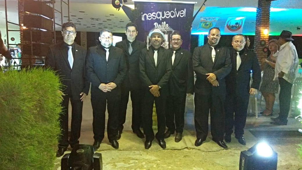 Os coordenadores do Baile Preto e Branco felizes com o sucesso da festa que lotou os salões da AABB de Pau dos Ferros/RN.