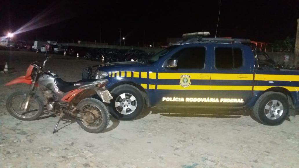 PRF apreende em Mossoró moto com 225 multas