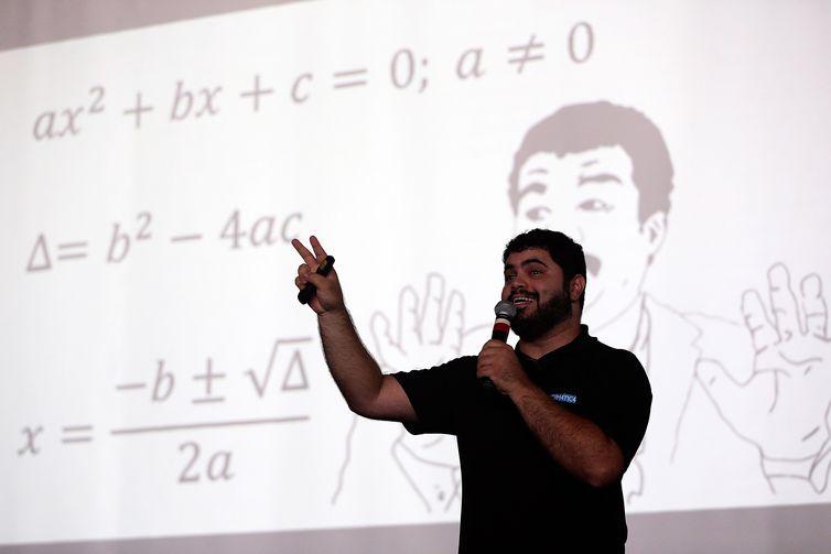 Profissionais essenciais para a educação, os professores não poderão ficar de fora da agenda dos próximos governantes-José Cruz/Arquivo Agência Brasil