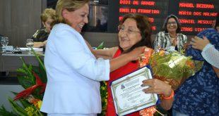 Dona Irene nasceu em Caraúbas, mas mora em Mossoró desde os 12 anos de idade.