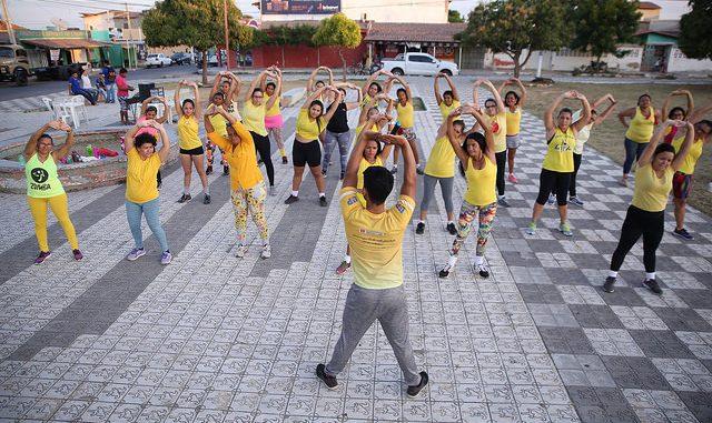 As atividades do projeto Viva a Vida no Bairro Abolição IV conta com cerca de cem pessoas por dia, entre adultos e crianças.