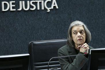 A ministra Cármen Lúcia preside sua última reunião ordinária no plenário do Conselho Nacional de Justiça (CNJ). Agência Brasil