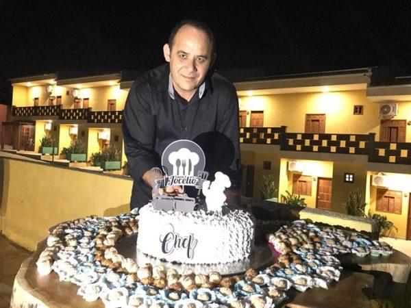 Parabéns, felicidades e muitos anos de vida para o Chef Jocélio Queiroz, aniversariante da quarta-feira, dia 26.