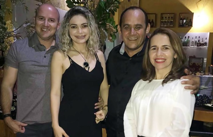 Alexandre Paula e Maxlânia Paula, empresários da Clinótica, foram prestigiar o aniversário de Jocélio.