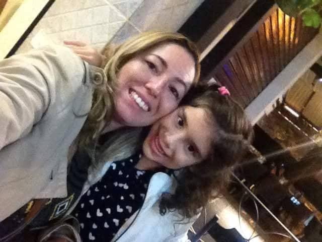 Hoje os vivas para a prima Manuela, que no clique está com a mamãe coruja Neilde Góis. Felicidades Manu!