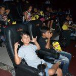 Cerca de 600 crianças participam de sessões de cinema no Partage Shopping
