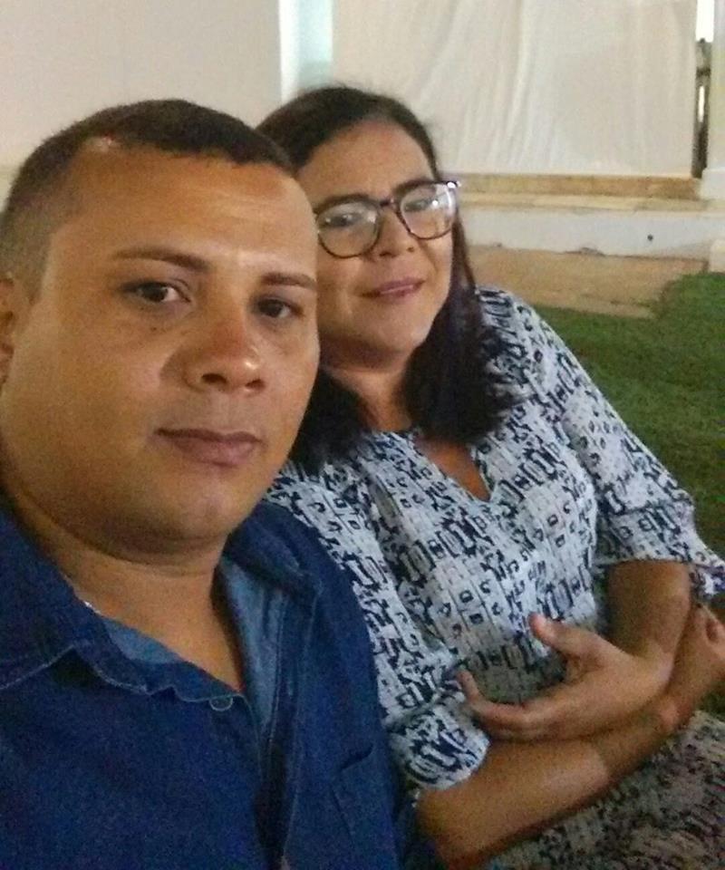 Na próxima quinta-feira quem celebra a festa da vida é o cunhado João Neto na foto com sua amada Aglay Rodrigues. Parabéns e tudo de melhor é o que desejamos!