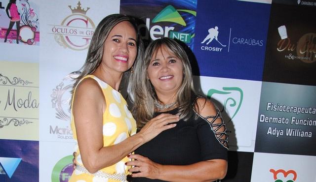 Duas queridas aniversariantes do mês de outubro as irmãs: Reijane Fernandes e Fausta Maria da Costa Brito. Tintim meninas!