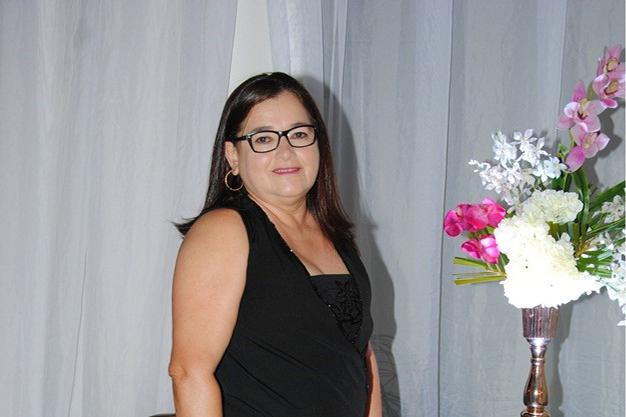 Hoje todos os vivas para essa pessoa maravilhosa Leontina Brito para quem desejamos saúde e paz. Parabéns!