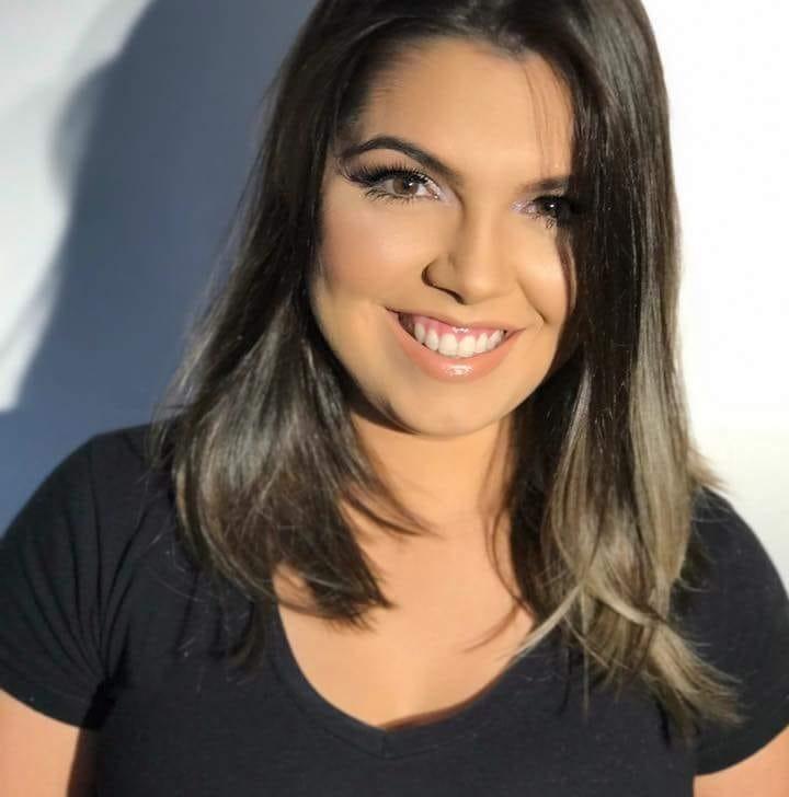 Outra aniversariante querida do sábado é a amiga Vitória Régia Benevides para quem desejo toda felicidade. Parabéns!