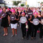 Caminhada homenageia mulheres vítimas do câncer e alerta para importância da prevenção