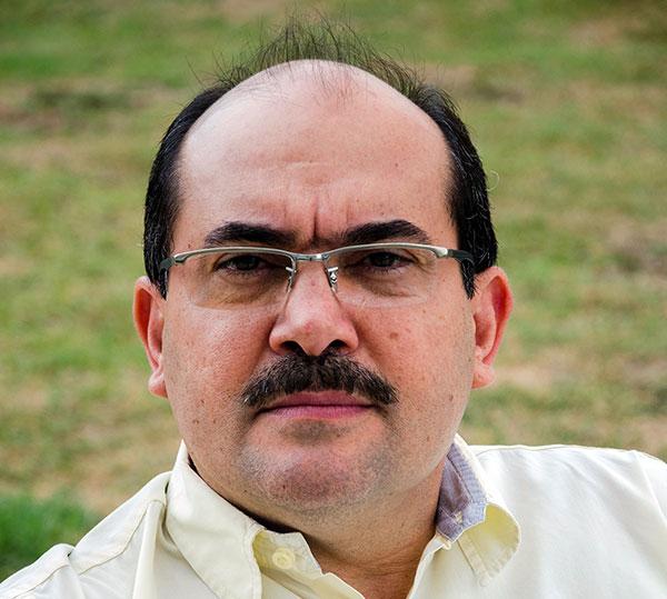 Escritor Clauder Arcanjo toma posse na Academia de Letras do Brasil