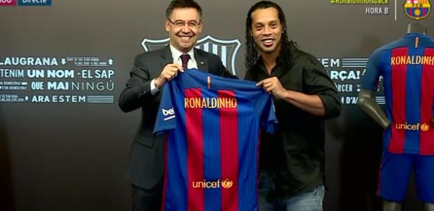 ronaldinho-se-torna-oficialmente-embaixador-do-barcelona-1486140222519_615x300