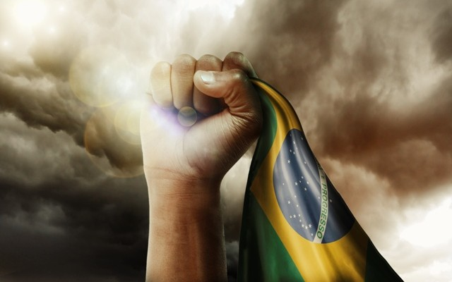 viva-o-povo-brasileiro-640x400