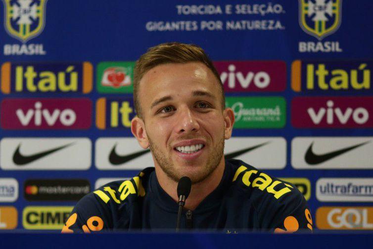Arthur tem se destacado por um futebol marcado pela qualidade no passe de bolas - Direitos reservados/Lucas Figueiredo - CBF