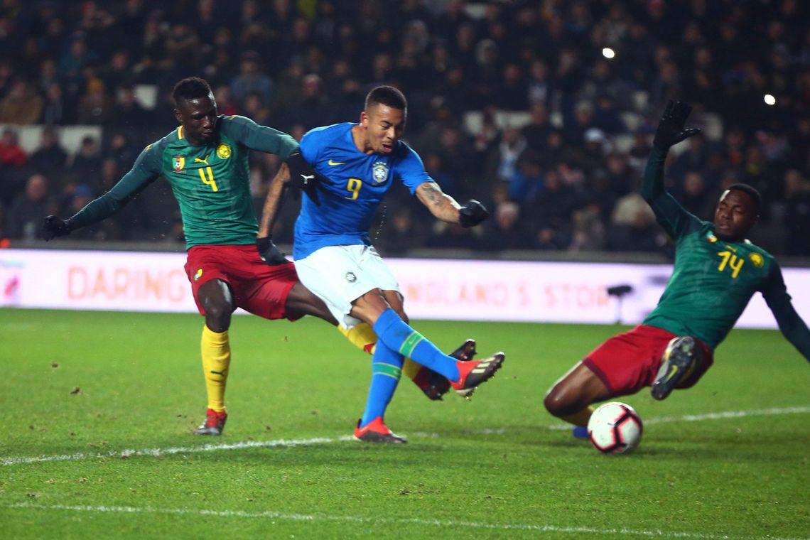 Brasil encerra o ano com vitória sobre Camarões por 1 a 0