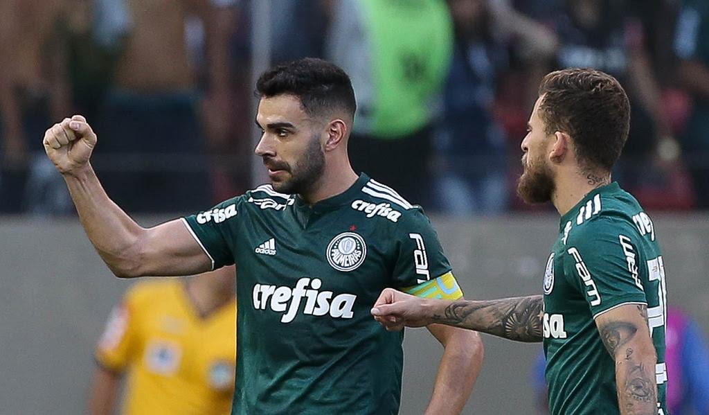 Palmeiras encara Fluminense e quer igualar recorde do Timão