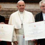 Papa Francisco volta a defender mais mulheres em postos da Igreja