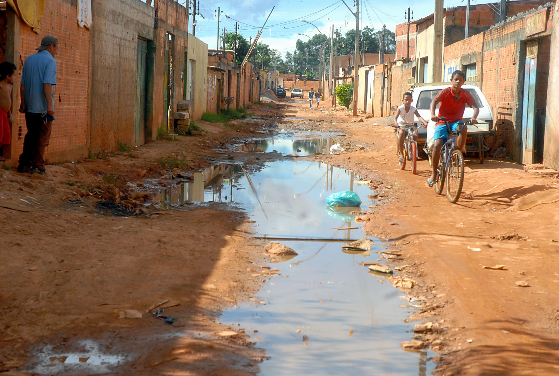 Somente 33 municípios do RN possuem política de saneamento básico