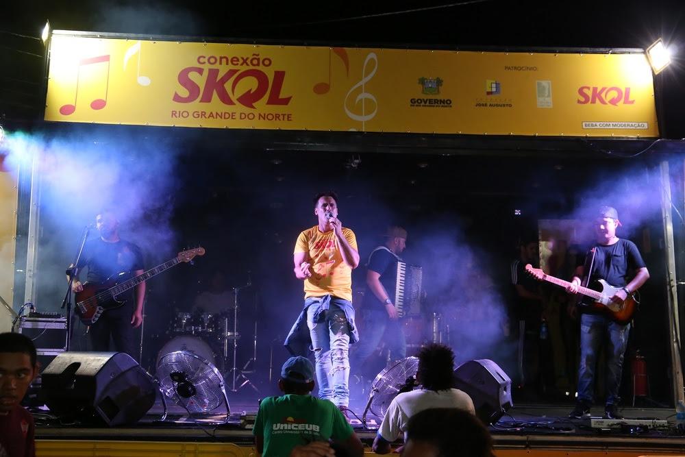 Zé Sanfoneiro e Banda C3 se apresentam a partir das 18h na Praça de Eventos.