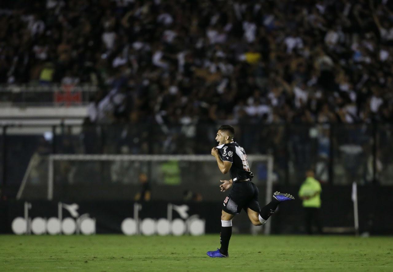 Vasco vence São Paulo e afasta fantasma do rebaixamento