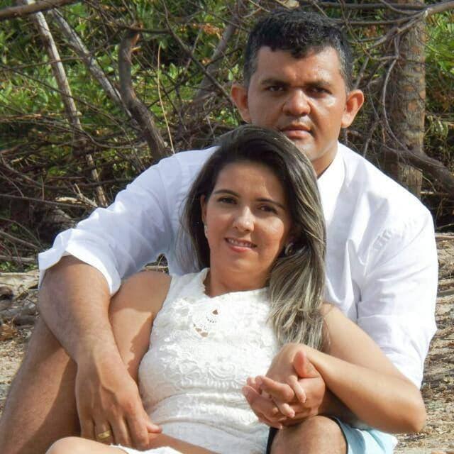 Desejamos toda felicidade que houver para os noivos Caliene Bezerra e Jardiel que dizem sim um para o outro na noite de amanhã. Parabéns!