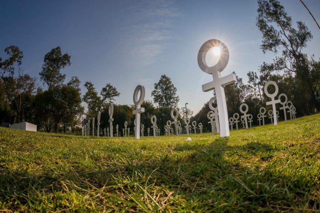 Instalação artística na Cidade do México homenageia as mulheres vítimas de feminicídio. Obra foi realizada para o Dia Internacional da Mulher de 2018, lembrado em 8 de março. Foto: ONU Mulheres/Dzilam Mendez