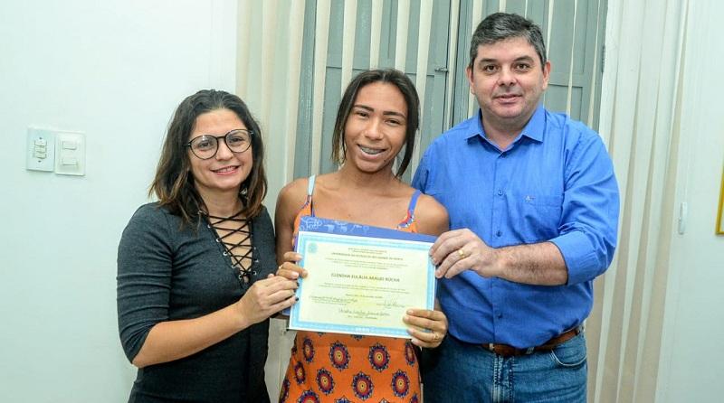 Glendha Eulália recebe diploma nesta terça-feira, 18 - Foto: Wilson Moreno