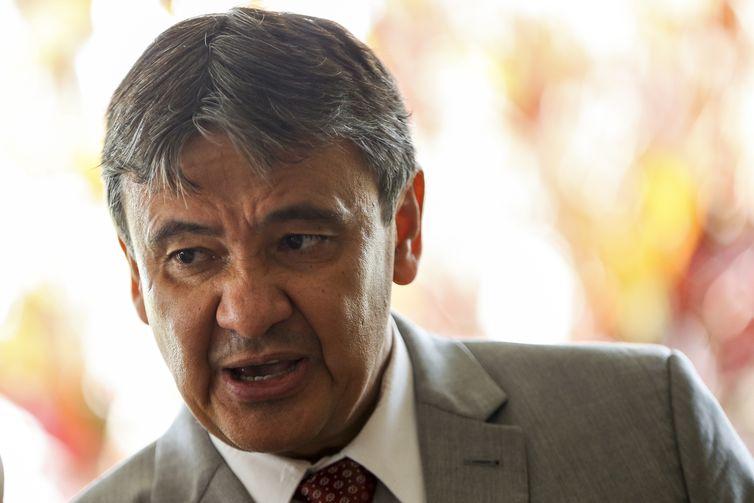 O governador do Piauí, Wellington Dias (PT), disse que a meta é pressionar para que temas considerados fundamentais que estão no Congresso avancem   (Marcelo Camargo/Agência Brasil)